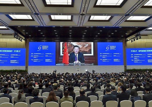 习近平呼吁国际社会尊重网络主权