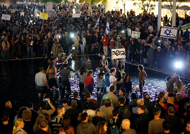 媒體:約2萬以色列公民參與反腐示威遊行