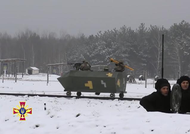 车轮上的棺材:乌克兰军事装备受到网民嘲笑