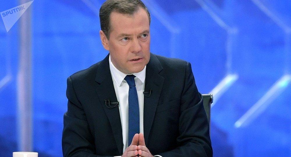 梅德韦杰夫下令四个俄地区试行购物退税政策
