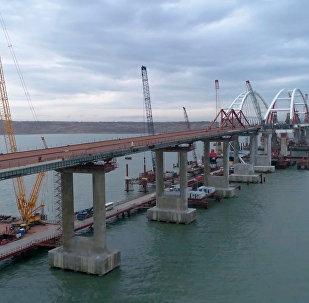 克里米亚跨海大桥全部桥墩竣工