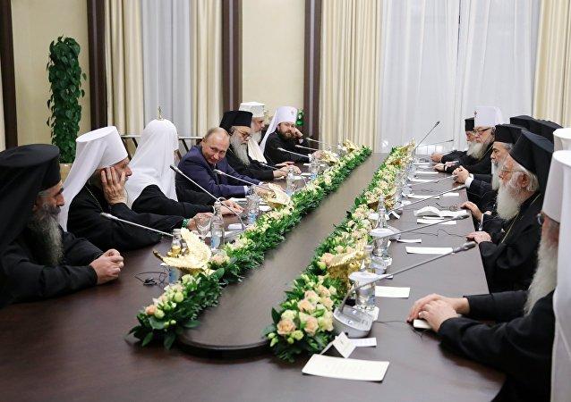 普京:东正教会和罗马教廷能够在叙利亚恢复和平方面起重要作用