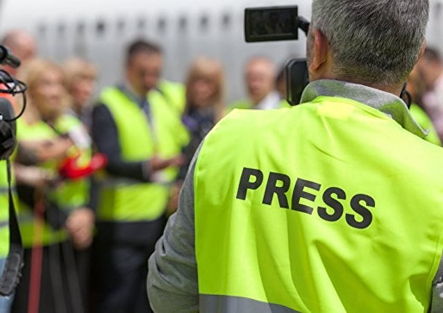 专家: 西方媒体为抹黑中俄经常捏造真相