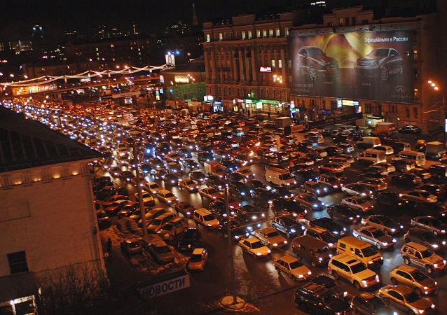 社會學家:僅5%俄羅斯人願意棄用私家車