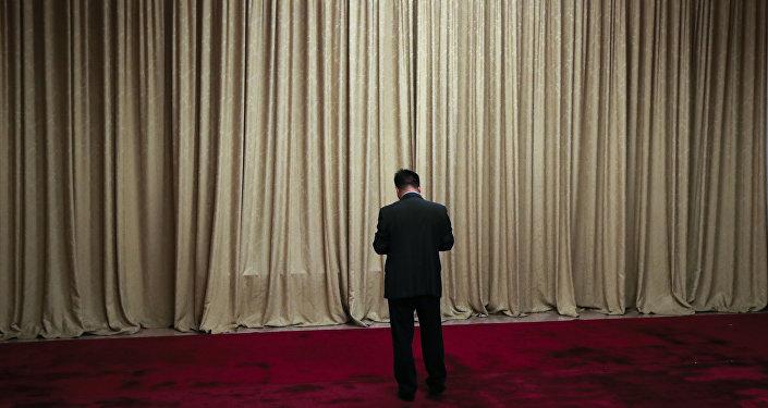 中国35万党员干部未通过八项规定考试
