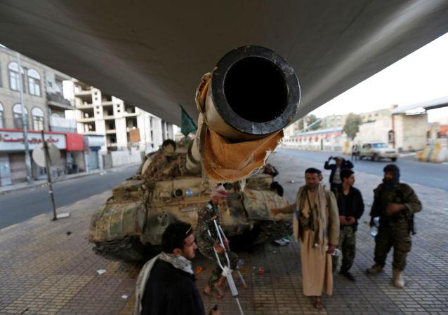 媒体:不明阻击手在也门萨那射杀6名胡塞叛军