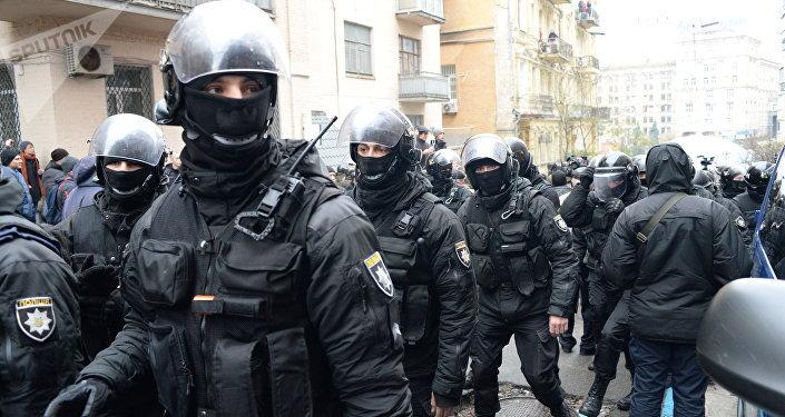 基輔示威者阻止警方搜捕薩卡什維利