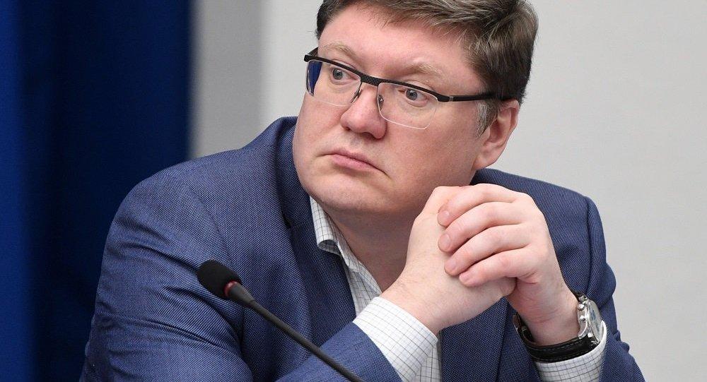 """统俄党党团副主席:""""统一俄罗斯""""党对普京作为总统候选人表示支持"""