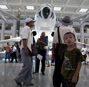 中国军费开支只有美国1/4但其军事潜力相差无几