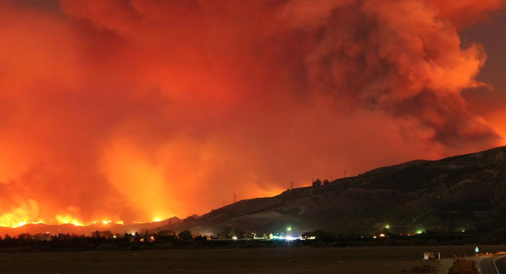 美国当局:加利福尼亚州北部火灾死亡人数升至76人