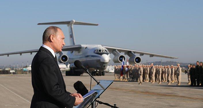 俄罗斯总统普京访问俄驻叙空军基地