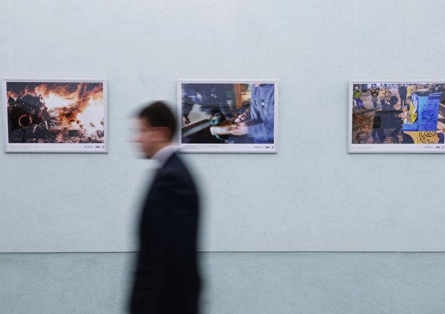 「記者的職責」的展覽