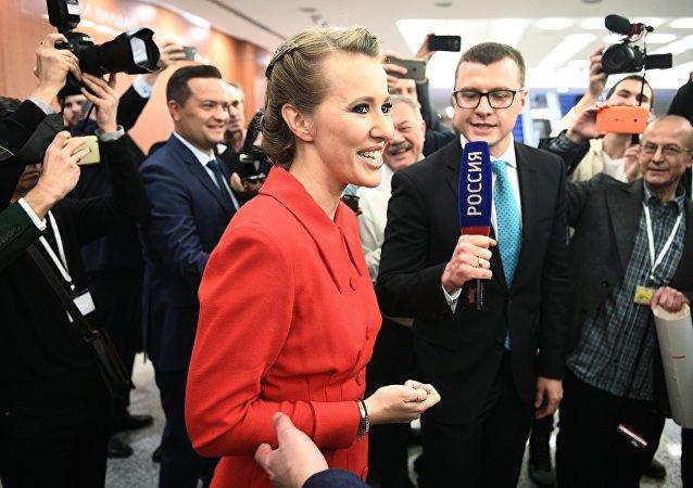 俄總統候選人索布恰克稱普京將贏得選舉