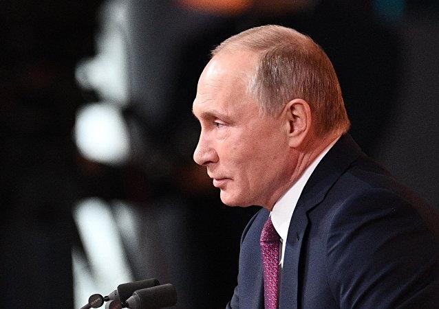 俄罗斯允许企业借助外债债券使资本回流国内