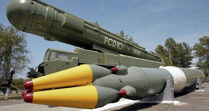 俄专家:俄可部署超远程导弹回应美退出《中导条约》