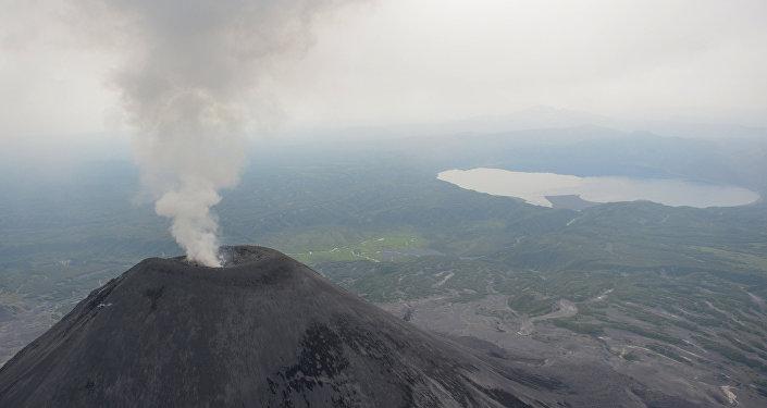 卡雷姆斯基火山