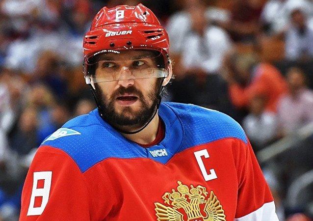 俄罗斯前锋球员亚历山大•奥维契金