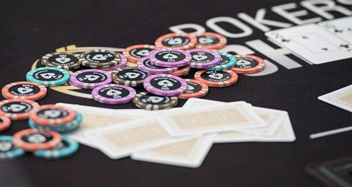 德州扑克人机大战 人工智能赢近200万美元