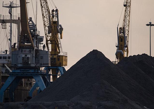媒体:载有走私煤炭的朝鲜船只曾进入日本港口百余次