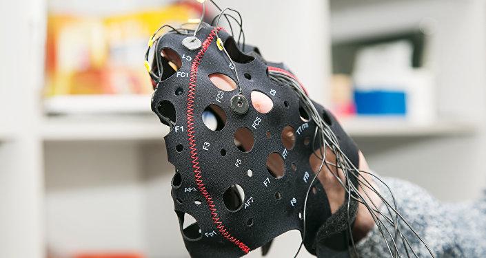 俄科学家发明出远距离传输思想的神经巴拉莱卡