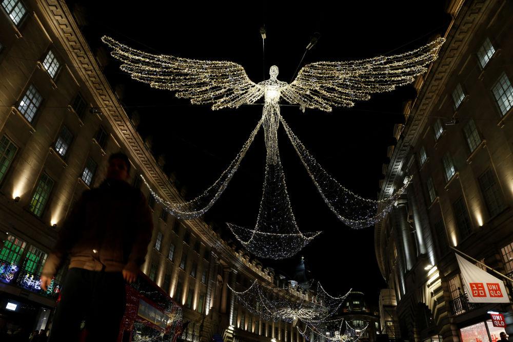 倫敦街頭的聖誕燈飾
