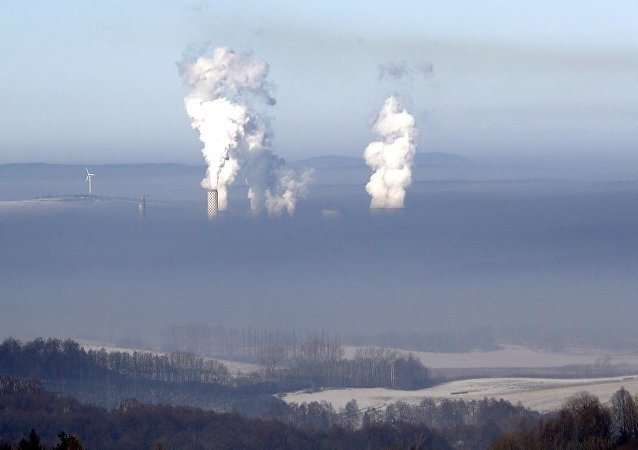 俄车里雅宾斯克居民对空气污染的投诉数量增长2倍