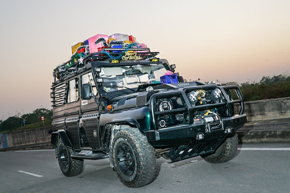 「烏阿斯獵人」有鋼制保護裝置,車頂裝有架子,便於長途旅行搭載雜物。