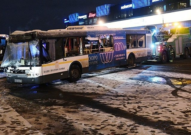 俄侦委:冲入地下通道公交车司机称刹车失灵