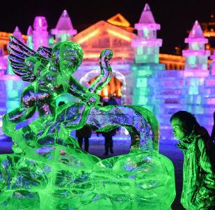 中国·满洲里第十九届中俄蒙国际冰雪节开幕