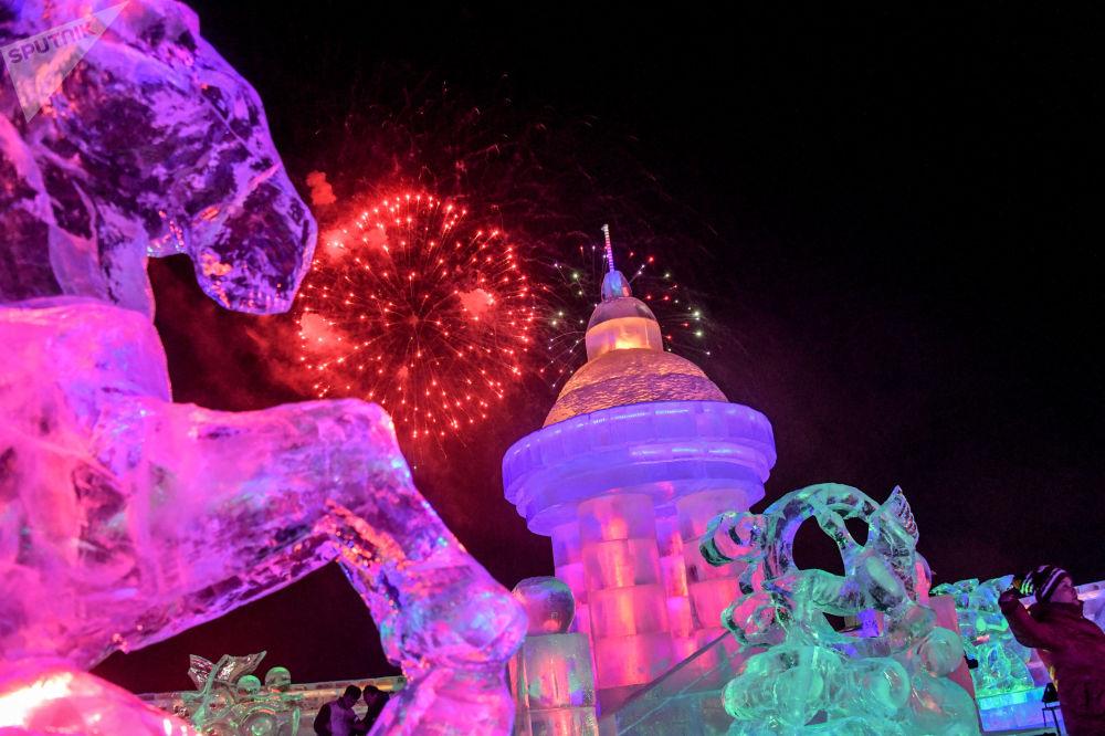 本屆冰雪節活動內容豐富,將舉辦選美大賽、體育比賽和其他文化休閒活動,一直持續至2018年3月。