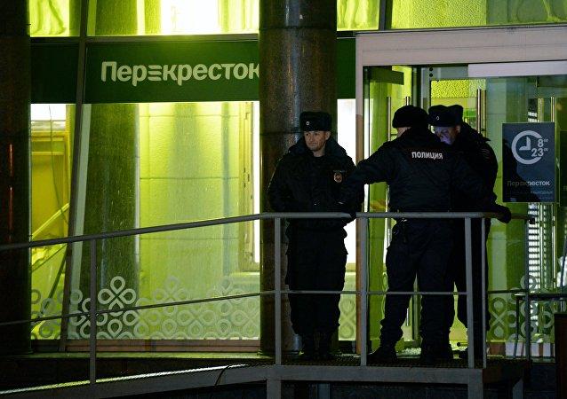 聖彼得堡Kondratyevsky大街的Perekrestok連鎖超市店(資料圖片)