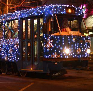 莫斯科街頭的新年有軌電車