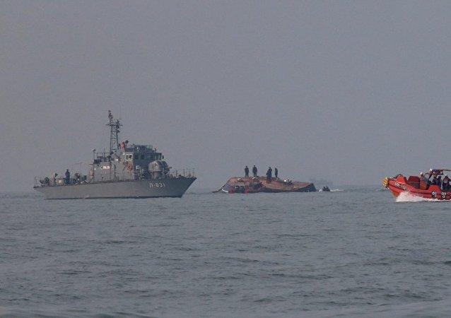 韩国政府扣押一艘向朝鲜运送石油的中国船只
