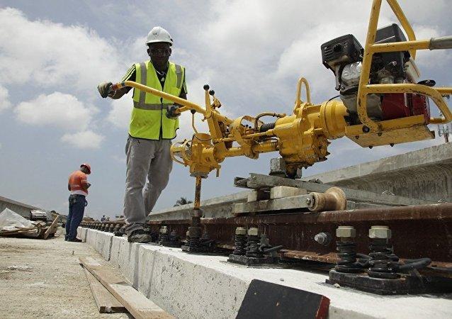 """中国2017年在拉美和加勒比海域加强推行""""铁路外交"""""""