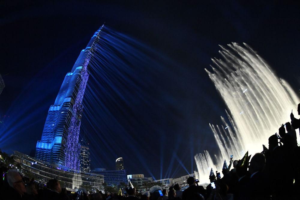 阿聯酋哈利法塔的激光演示。