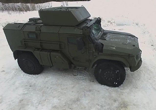 俄国防部展示空降军新式装甲车