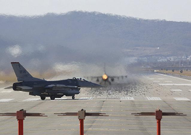 美韩领导人商定在平昌冬奥会期间不举行联合军演