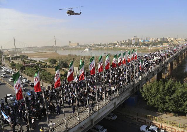 伊朗舉行支持當局的和平示威