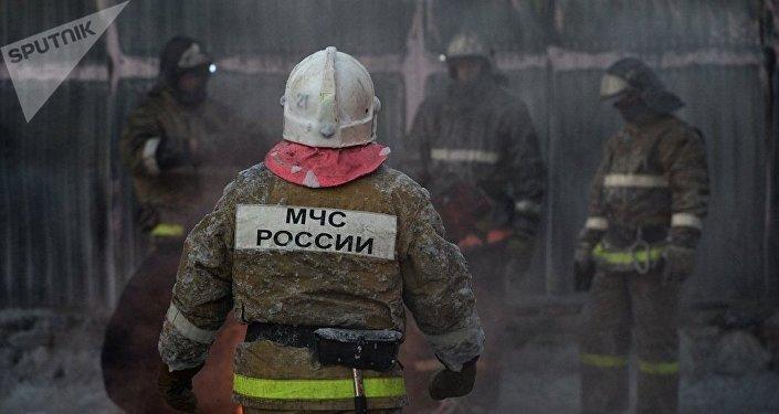 俄紧急情况部:发生火灾的新西伯利亚近郊鞋厂为非法生产