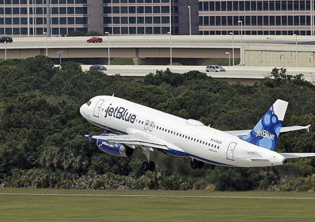 捷藍航空飛往多米尼加的航班因異味返回美國