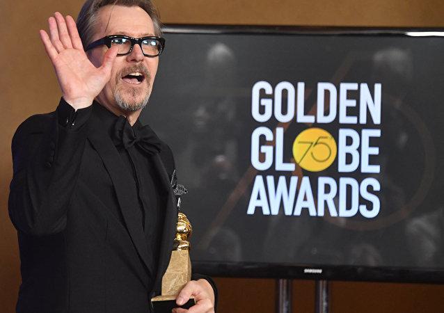 加里·奧德曼獲金球獎劇情類電影最佳男主角