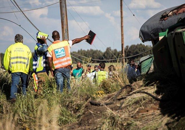 南非火車相撞致約200人受傷