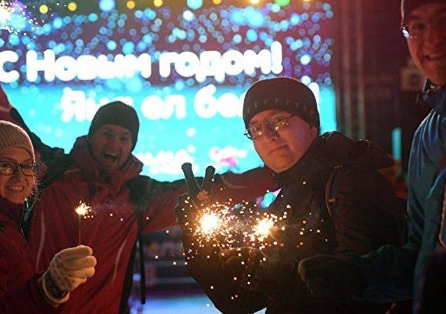 俄罗斯人新年假期消费近1万亿卢布
