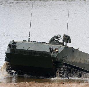 装甲运输车