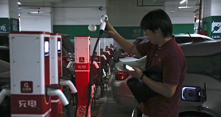 中國前三季度新能源汽車產銷量繼續高速增長
