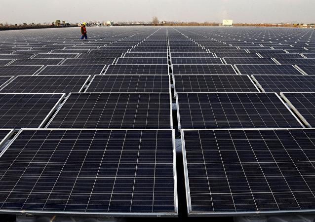 报告:中国对太阳能投资规模占全球60%