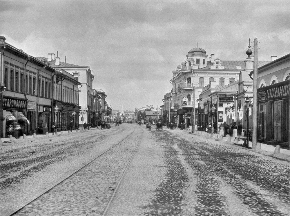 莫斯科阿尔巴特大街,1888年。