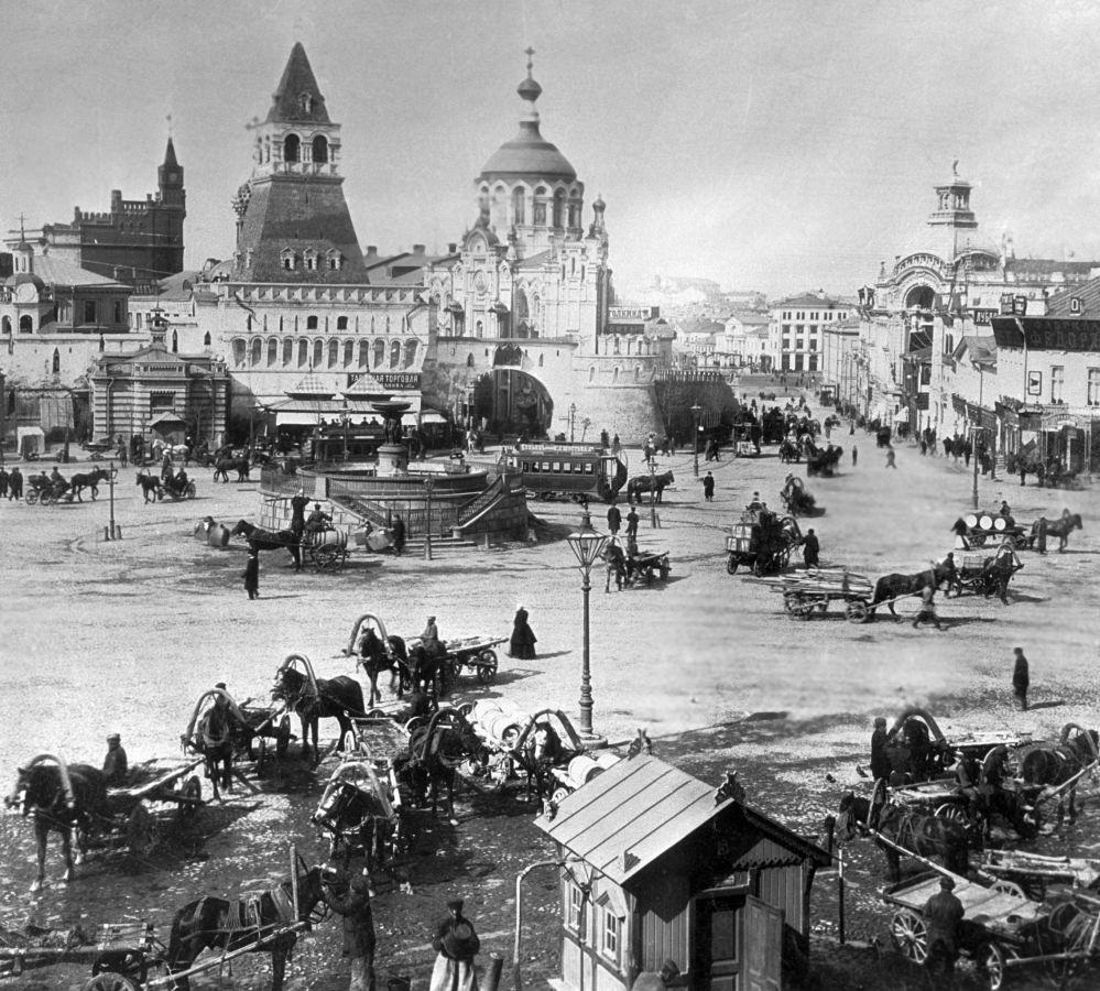 莫斯科卢比扬卡广场,1899年。