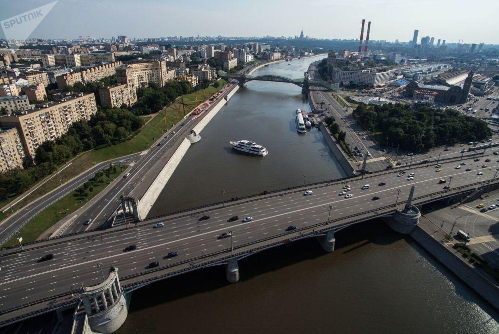 莫斯科博罗金诺大桥,2016年。