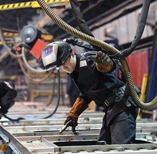 普京:俄羅斯經濟正保持崛起勢頭